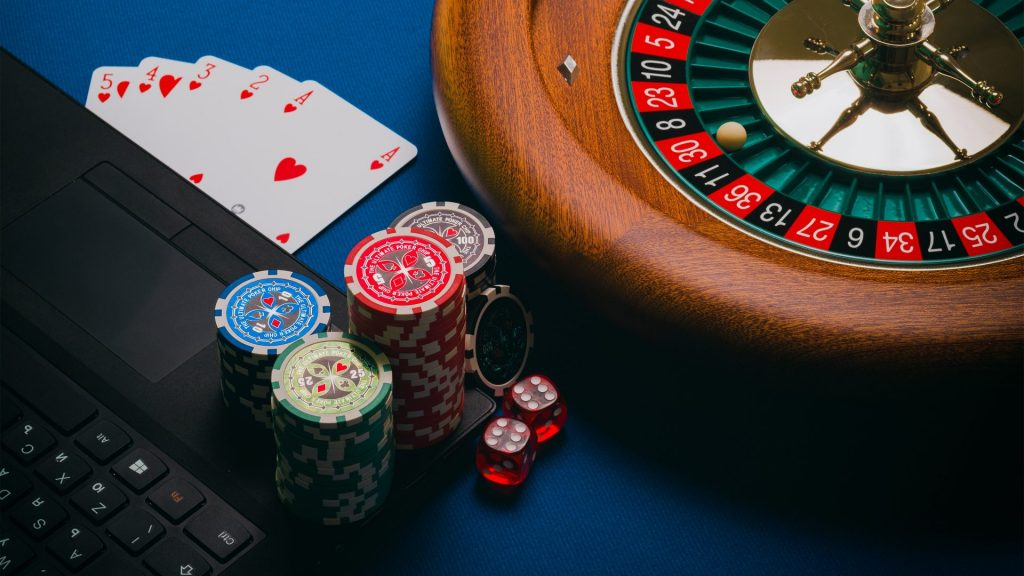 ey report gb gambling contributed £7.7bn to economy in 2019 trifecta directory
