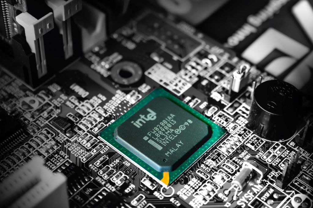 intel will build other companies' chips in major turnaround effort trifecta directory